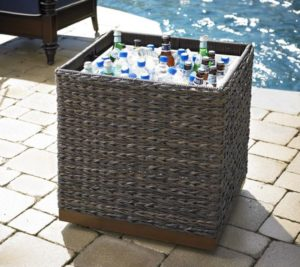 St Kitts Medium - chip/dip, ice chest